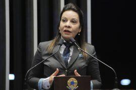 Raquel Muniz: Disse que o marido prefeito era exemplo, mas ele foi preso; casal foi acusado de montar fura fila de pacientes para deputada