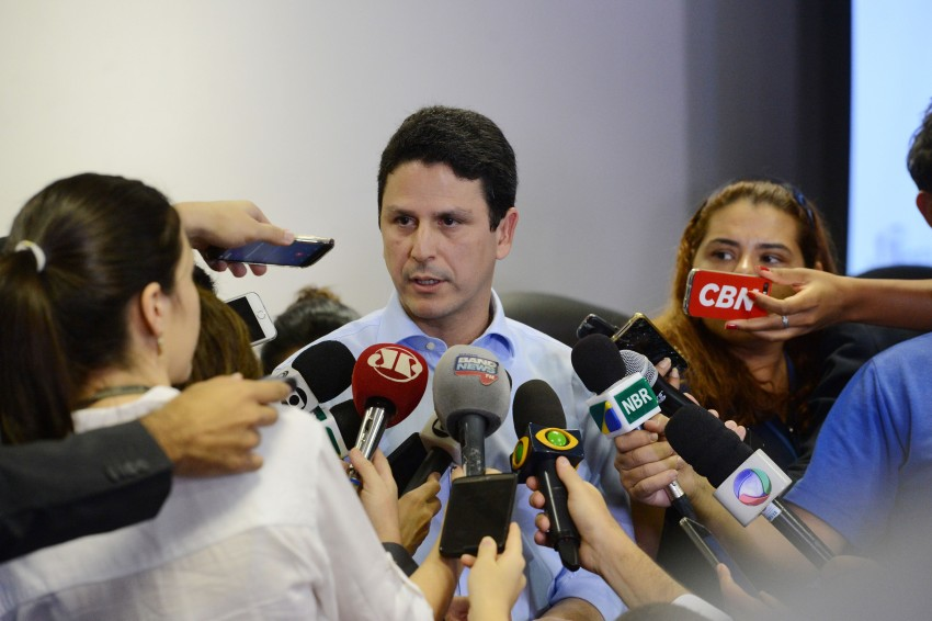 """Tucano hipócrita: """"Quanta honra o destino me reservou"""", disse deputado em voto decisivo; um ano depois, é acusado de lavagem de dinheiro e corrupção"""