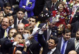 Corajosos no impeachment de Dilma, deputados agora planejam fugir do plenário para salvar Temer