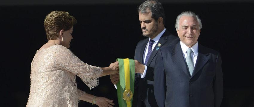 Com Temer denunciado, Dilma dá estocada nos patos amarelos que puseram o vice no Planalto