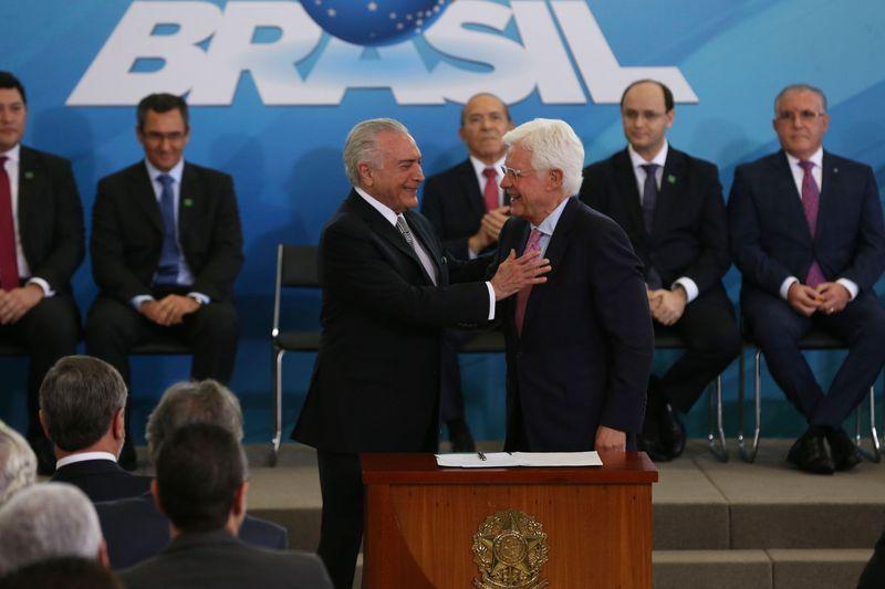 Pimenta denuncia: Privatizações de Temer são crime de lesa-pátria; Brasil vira neocolônia