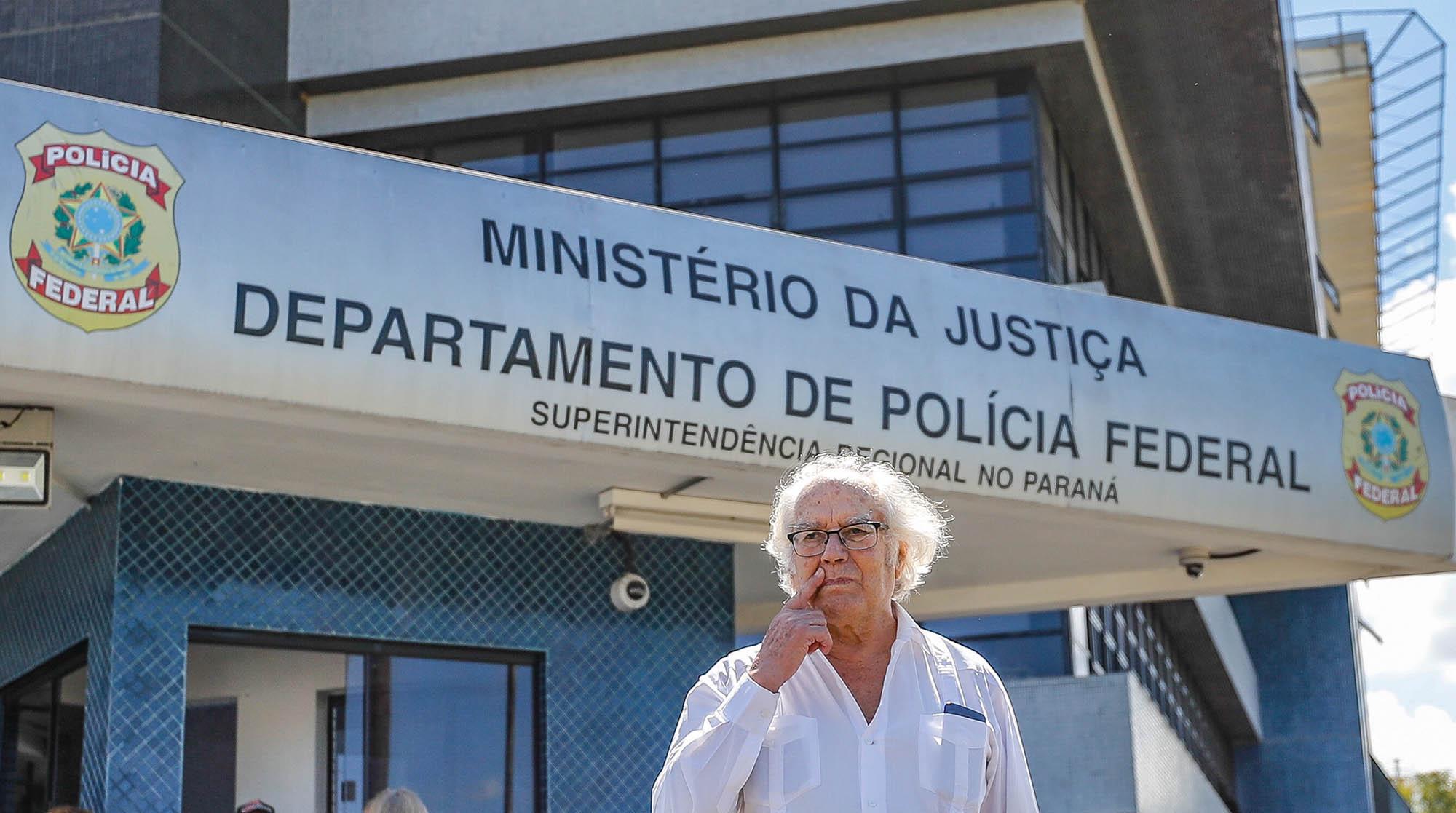 """Advogada tem esperança de Esquivel visitar Lula nesta sexta: """"Secretária da 12ª Vara Federal informou errado; juíza não analisou nosso 1º pedido"""""""