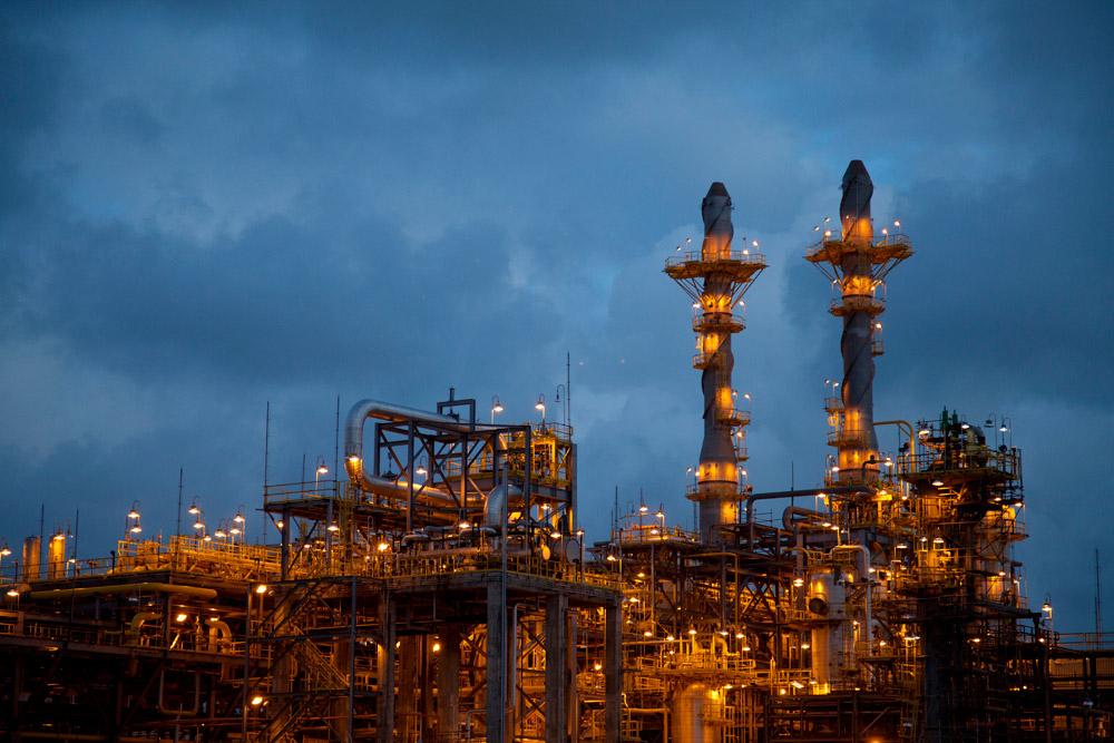 Proposta do PT para superar a crise dos combustíveis retoma aumento único, anual, para o gás, a gasolina e o diesel
