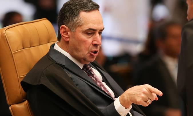 """Sotelo: Como o ministro Barroso flerta com o fascismo ao defender que a Justiça atenda """"o sentimento da sociedade"""""""