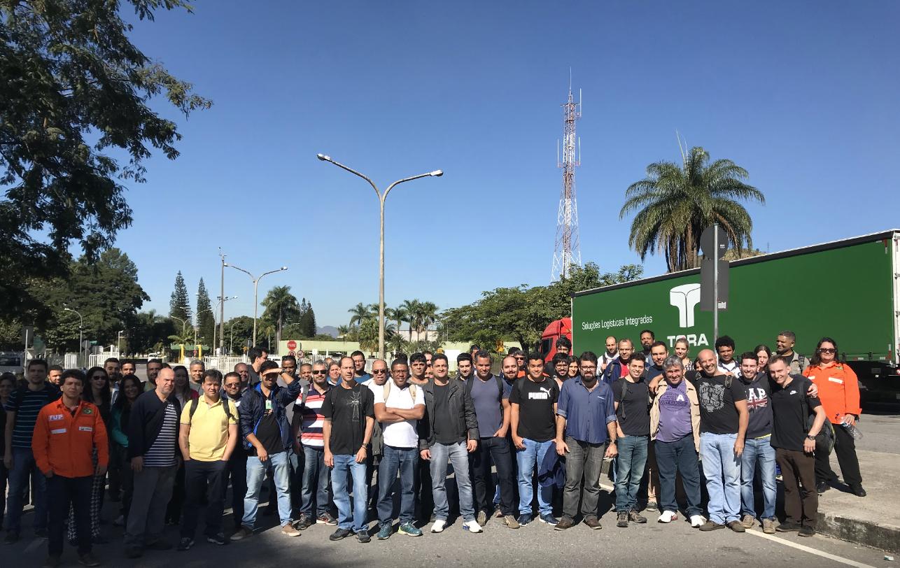 """Petroleiros fazem """"esquenta"""" em Minas rumo à greve nacional prevista para junho, em defesa da Petrobrás"""