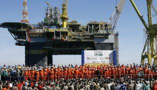 Enquanto você está distraído com a pandemia, Petrobras paga incentivo a quem desmonta a empresa