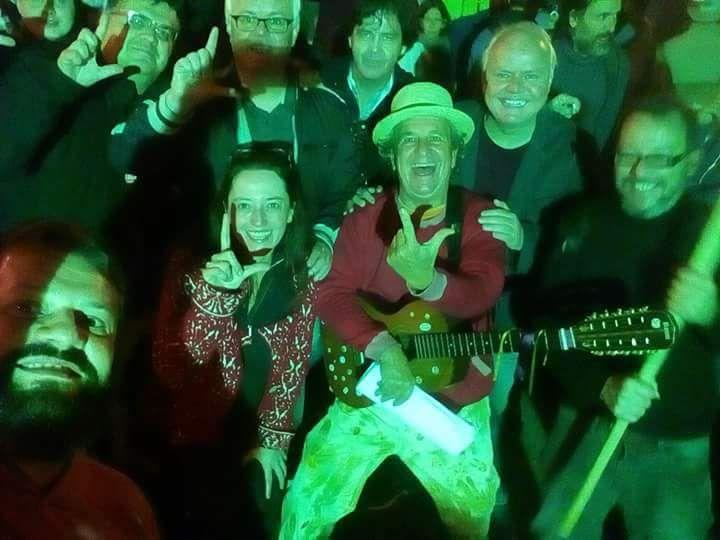 Vigília Lula Livre cheia de militantes segue firme, apesar dos ataques dos golpistas;veja
