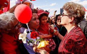 Dilma soca pastora Damares: Doou o que recebeu da Comissão de Anistia ao grupo Tortura Nunca Mais