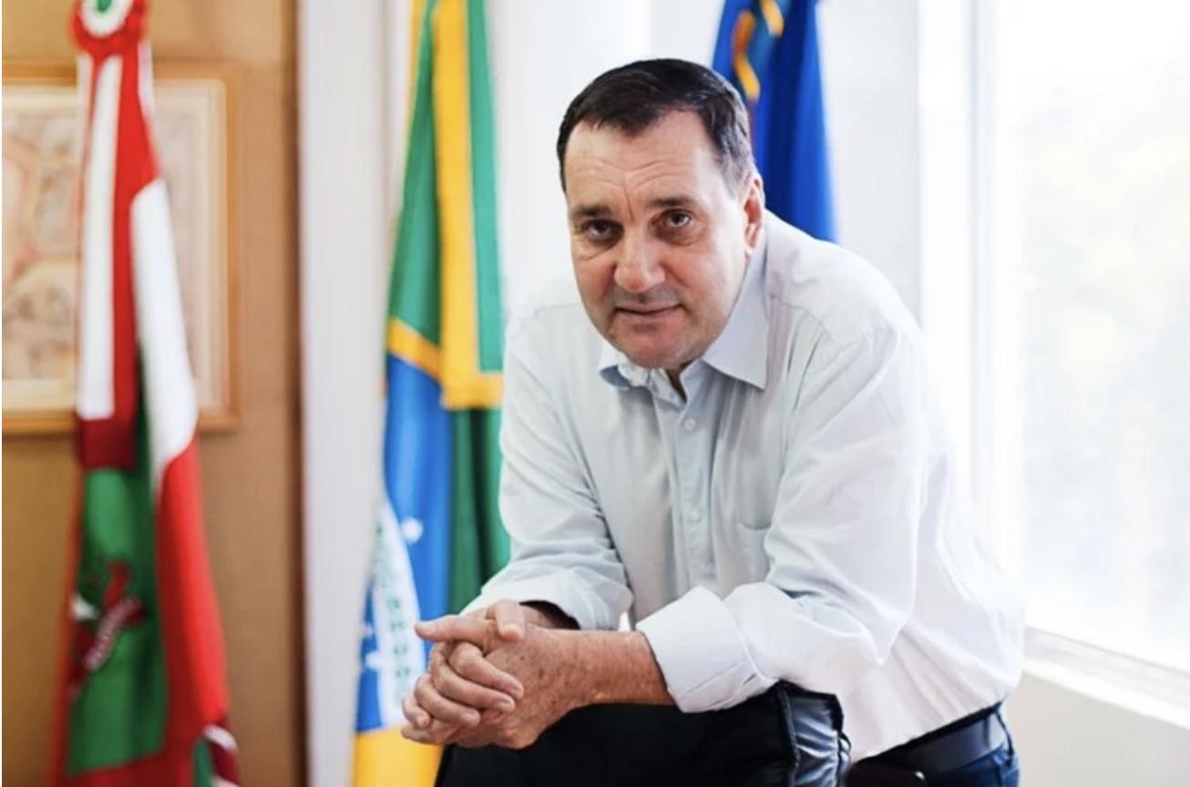 Em carta a prefeitos reunidos em Santa Catarina, Lula diz que reitor Cancellier foi assassinado