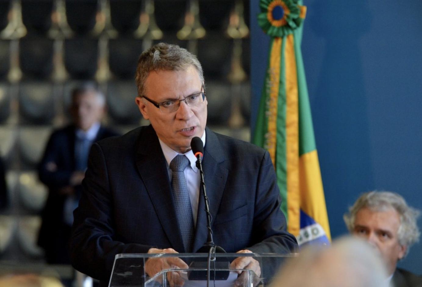 Eugênio Aragão: Justiça brasileira dorme ou é velocista, para manter Lula preso