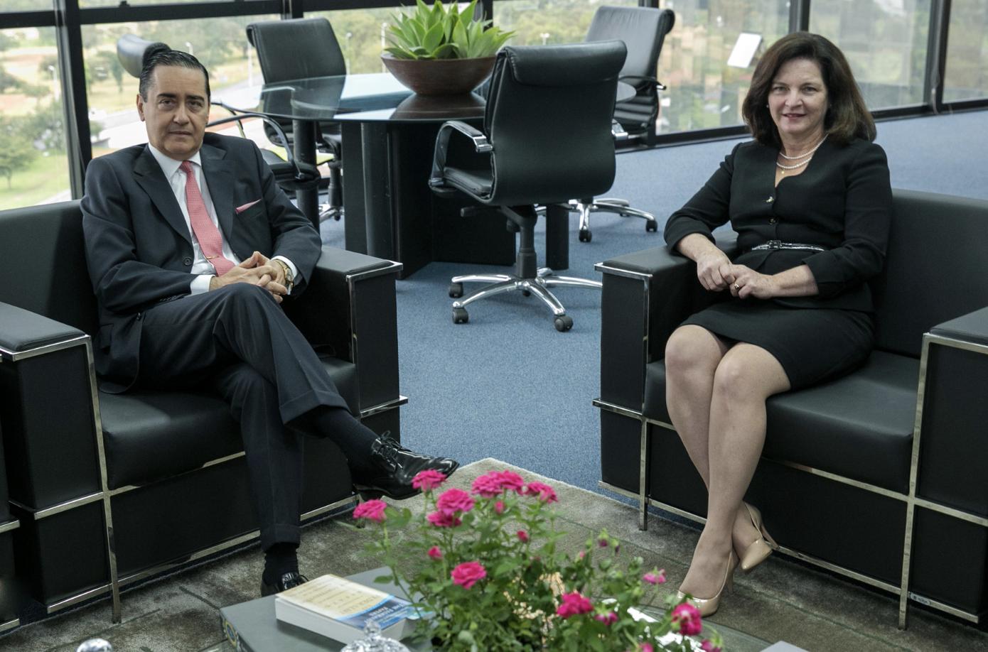 Silva Jardim: Thompson Flores inventou conflito de competência