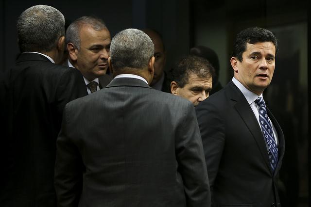 Dilma: Para produzir seu ardiloso factoide eleitoral de R$ 1 bi, Moro atropelou o TRF-4 e o próprio Ministério Público Federal