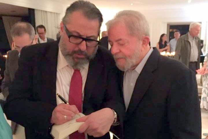"""Yarochewsky: """"Lula, seguiremos lutando e com esperança; a indignação nos ensina a não aceitar as coisas como estão; a coragem, a mudá-las"""""""