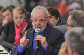 """Gleisi: Promotores que acusam Lula por ação quando já era ex-presidente deveriam """"responder por denunciação caluniosa""""; veja íntegra"""