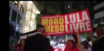 Em Salvador, manifestantes driblam proibição da Justiça e vaiam Moro em jantar de gala em hotel; veja vídeo