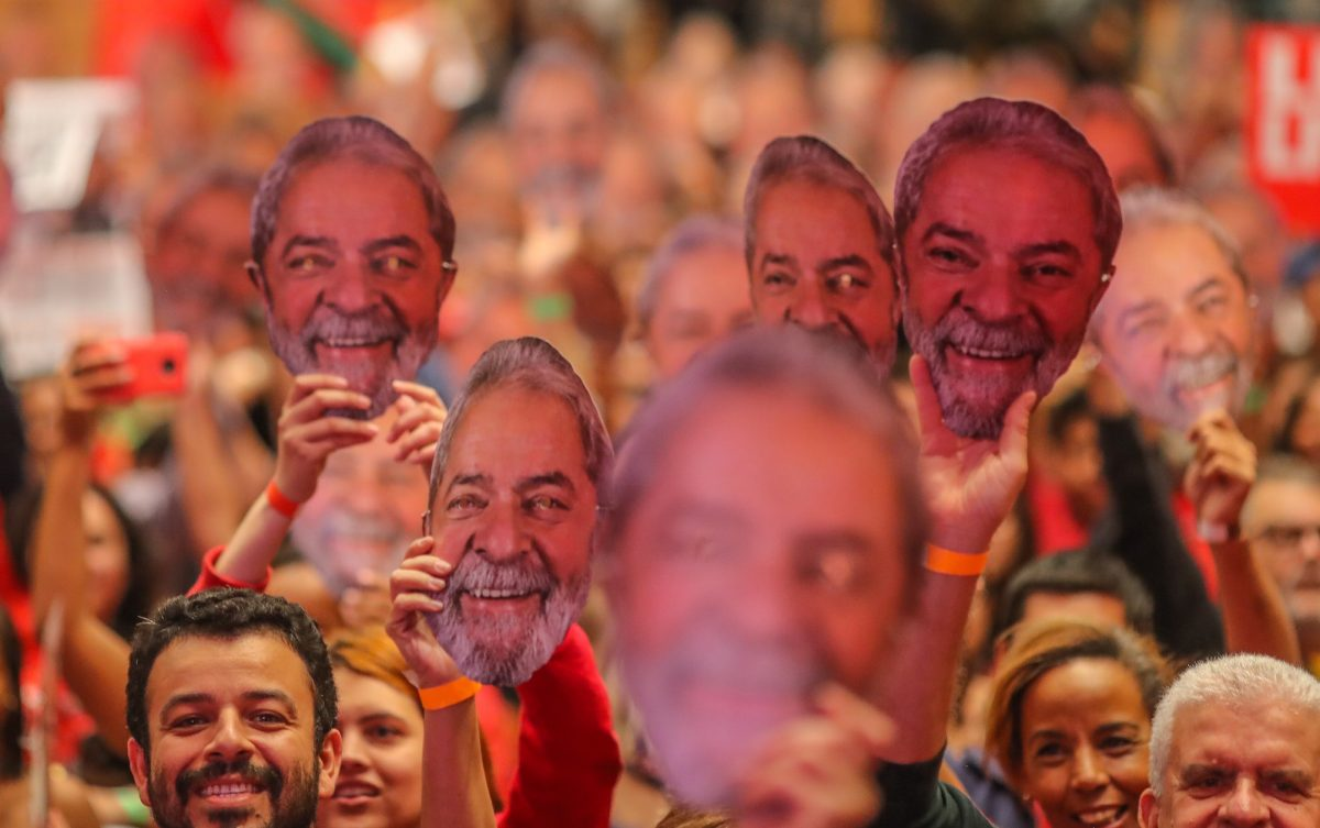 Partidos do golpe encolhem quase 50% na Câmara; PT perde cadeiras, mas terá a maior bancada