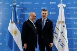 """Feijóo: Mídia brasileira """"esqueceu"""" os saques e a crise do governo liberal da Argentina"""