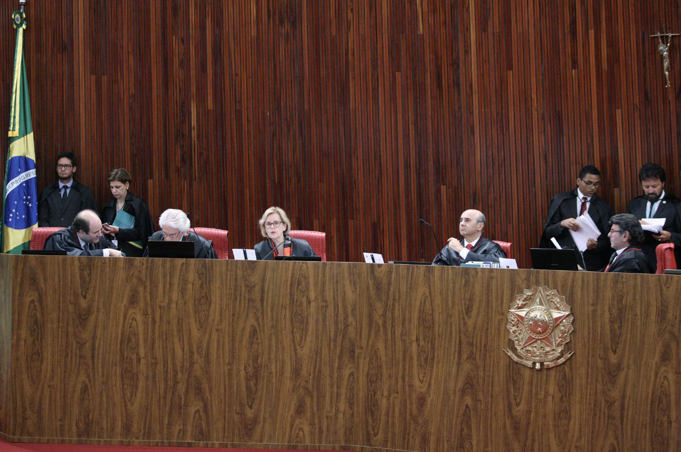 """""""Jurisprudência Lula"""" do TSE não foi aplicada a outros candidatos. Garotinho e mais 1.400 estão concorrendo sub judice"""