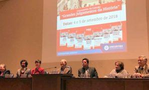 """Professora cutuca Moro em evento público: """"Julgamento de Jesus foi político"""""""