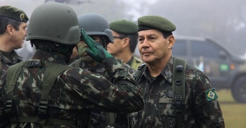 """Zapgate: Chapa de Bolsonaro pode ser cassada depois da eleição se foi """"beneficiária"""" de financiamento empresarial, mesmo que candidato alegue desconhecimento"""
