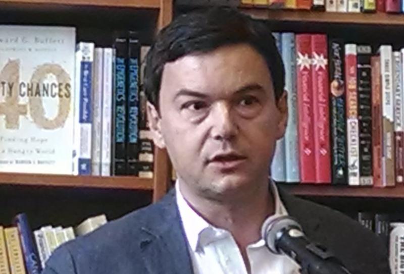"""Piketty: Bolsonaro """"surfa na nostalgia da ordem do homem branco"""""""