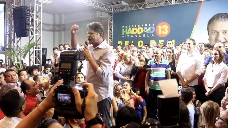 Depois de tocar fogo no paiol do PT, se tornar ídolo da extrema-direita e aparecer no programa de Bolsonaro, Cid Gomes diz que Haddad é o melhor candidato