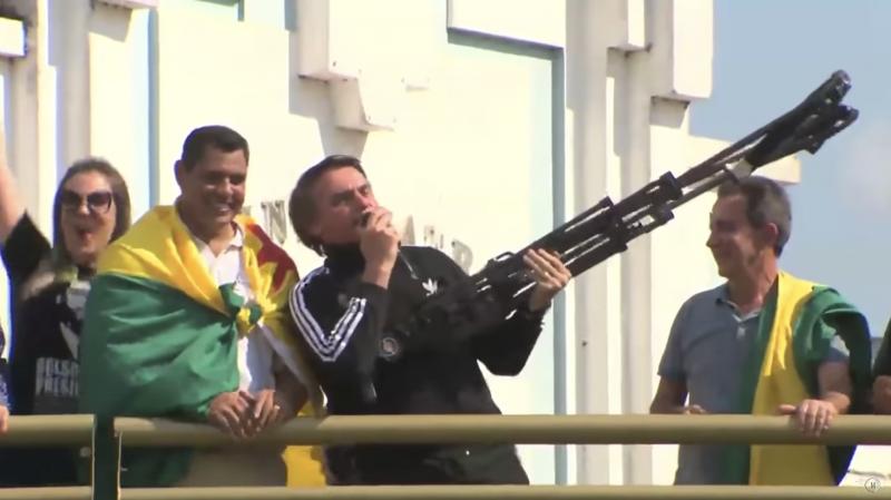 """PT pede investigação à Polícia Federal do caixa 2 digital de Bolsonaro: """"Todas as medidas para que responda por seus crimes"""""""