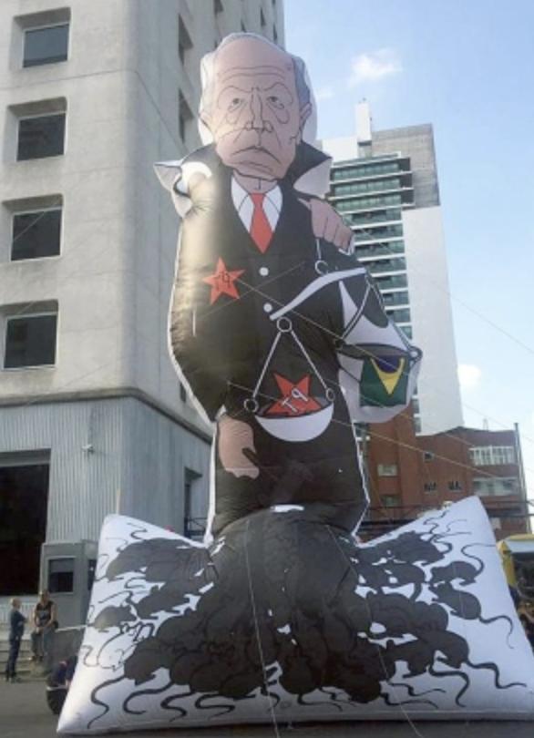 Se Bolsonaro for eleito, enfrentamento com STF é inevitável