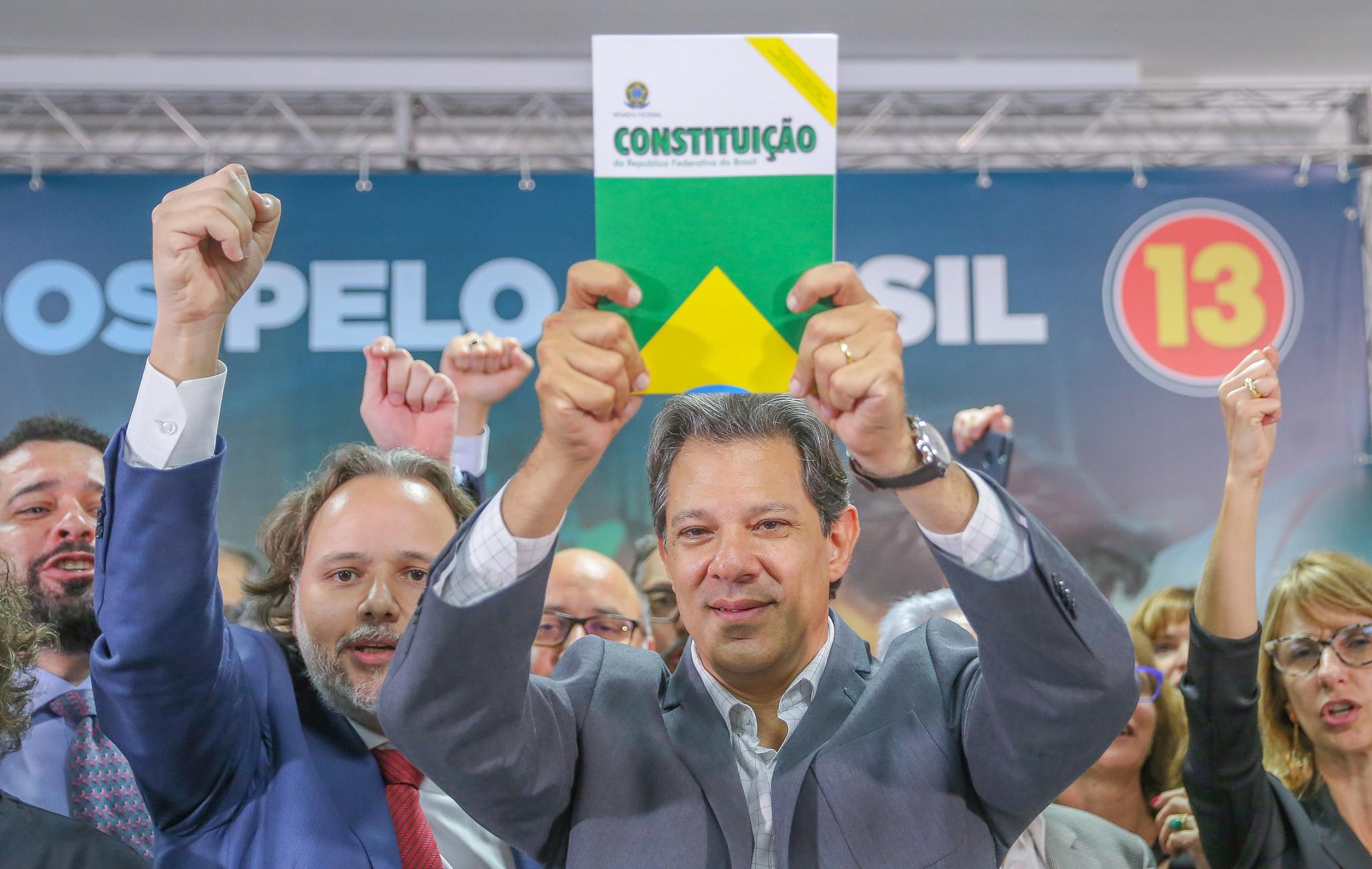 Para Haddad, povo brasileiro começou a se livrar do socialismo: Bolsonaro dá tungada de R$ 8 em cada salário mínimo