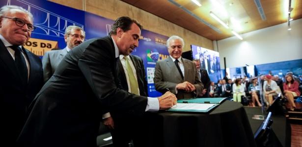 Ministro da Saúde de Temer deixa fora do edital do Programa Mais Médicos 1.000 municípios que aguardavam reposição de cubanos