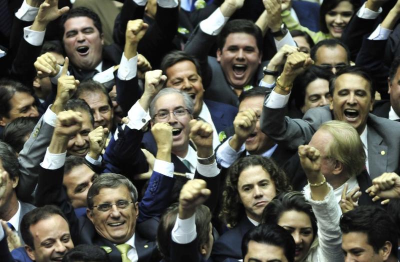 PF: Eduardo Cunha torrou R$ 15 milhões só para ganhar votos na bancada mineira do MDB que o levaram à presidência da Câmara