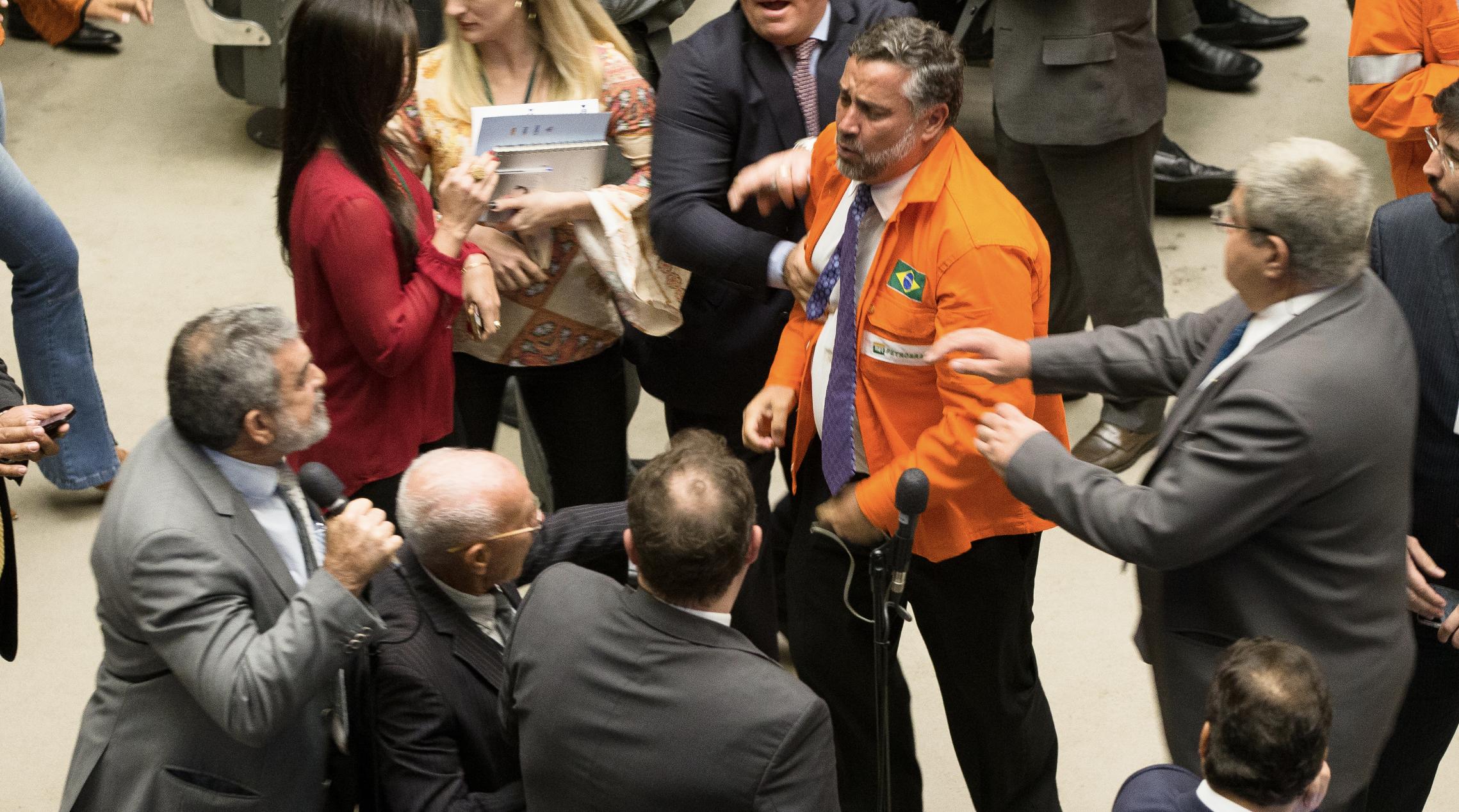 Felipe Coutinho: Entrega do petróleo pode colocar o Brasil em novo ciclo do tipo colonial