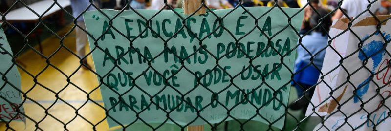 Professores da USP criam frente unitária contra Escola Sem Partido