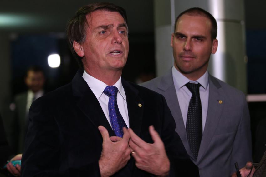 PT pede quebra de sigilo de empresas que teriam impulsionado mensagens de Bolsonaro; leia íntegra