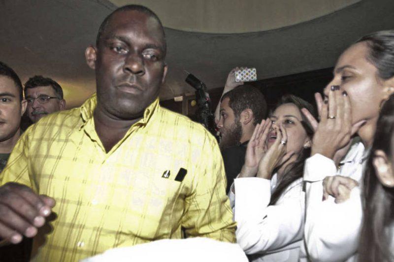 O 'comunista' Marcelo Tas detona a reação dos médicos brasileiros à chegada dos cubanos; veja vídeo