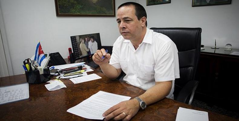 José Angel Portal: Cuba não faz política com a saúde de nenhum povo