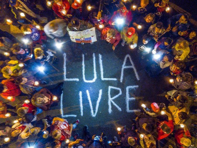 Lideranças partidárias e movimentos sociais acompanham depoimento de Lula em Curitiba nesta quarta-feira