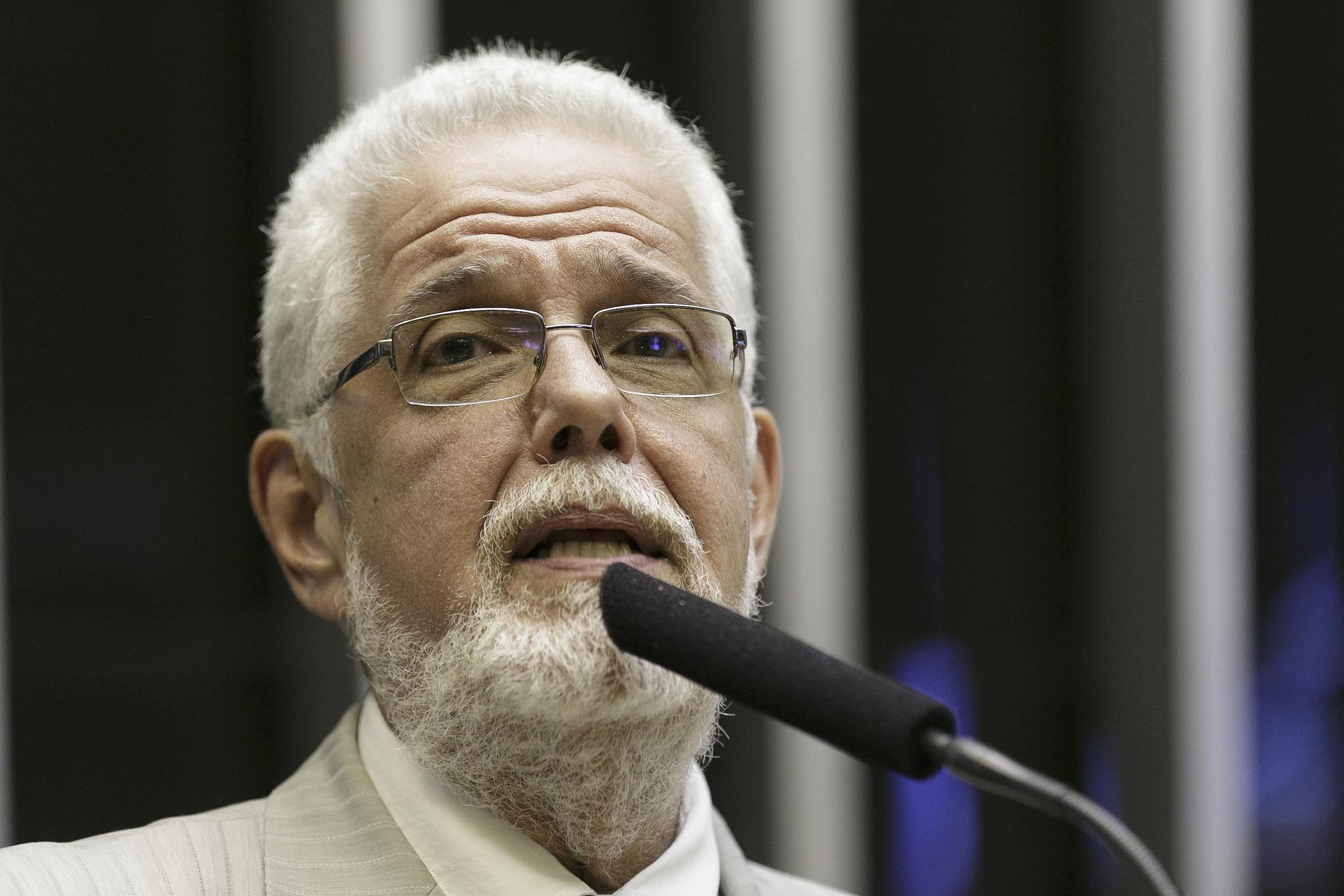 """Jorge Solla propõe """"Lei Jair Bolsonaro"""" contra fujões em debates eleitorais"""