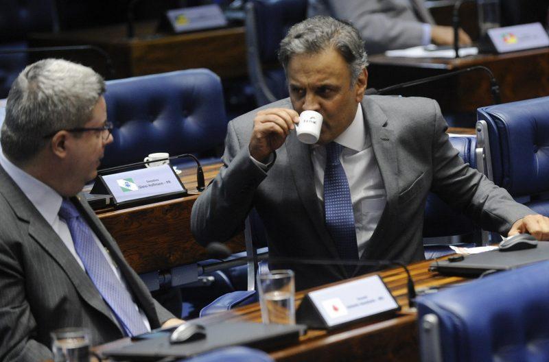 PF diz que Aécio lavou dinheiro através da rádio Arco Íris, denunciada aqui quando senador era todo poderoso