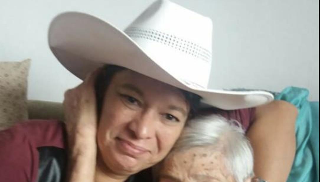 Filha de Olavo de Carvalho lava roupa suja nas redes sociais: o pai é mentiroso e colocou em risco a vida dos filhos por ser contra vacinas