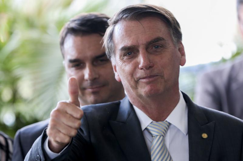 Rompimento do Brasil com pacto de migração expõe 3 milhões de brasileiros no exterior, diz PT