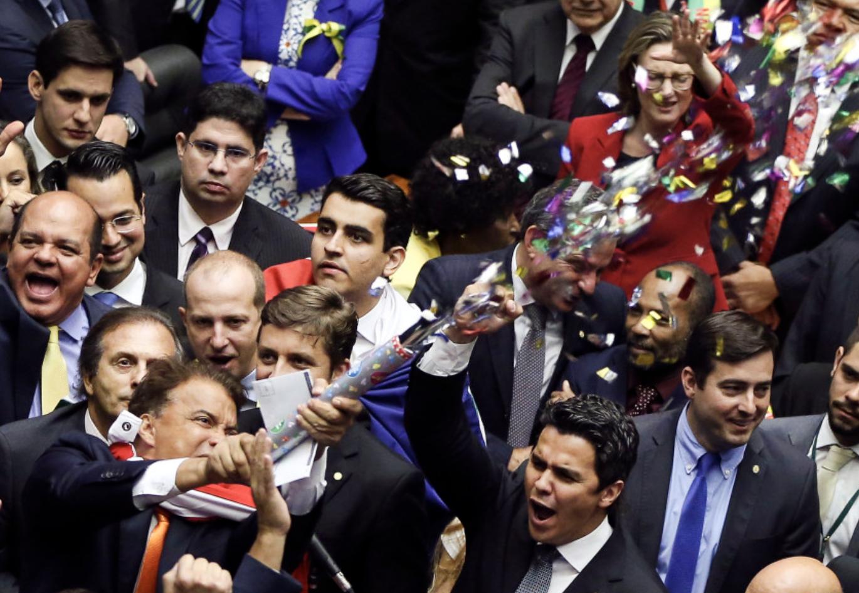 Empresários previram cenário róseo depois do impeachment de Dilma: PIB em dobro e taxa de investimento em alta. Você se deixará enganar de novo?