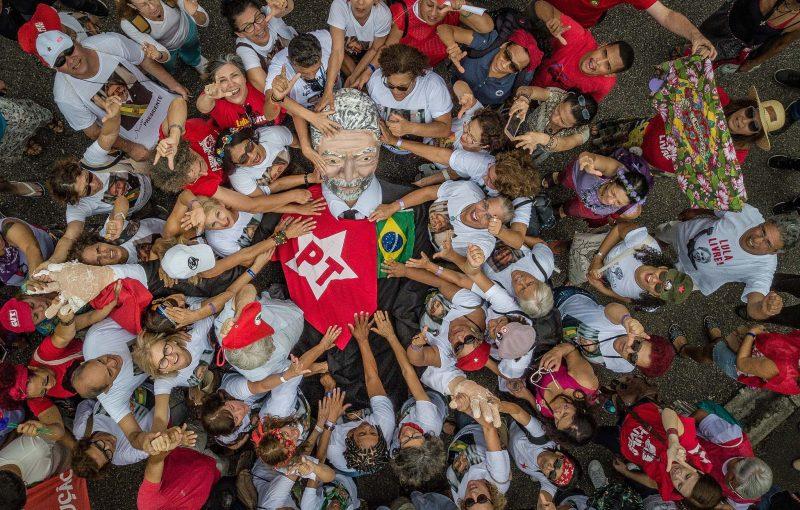 Gleisi, Boff, Bemvindo, Vicentinho, Beatriz, Rogério, Luizianne e Tânia convidam para o abraço a Lula, hoje às 15 h, em Curitiba; veja vídeos
