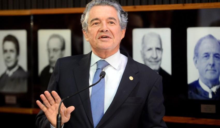 Professora da UnB explica o que precisa ocorrer para a decisão de Marco Aurélio ter efeito e libertar Lula