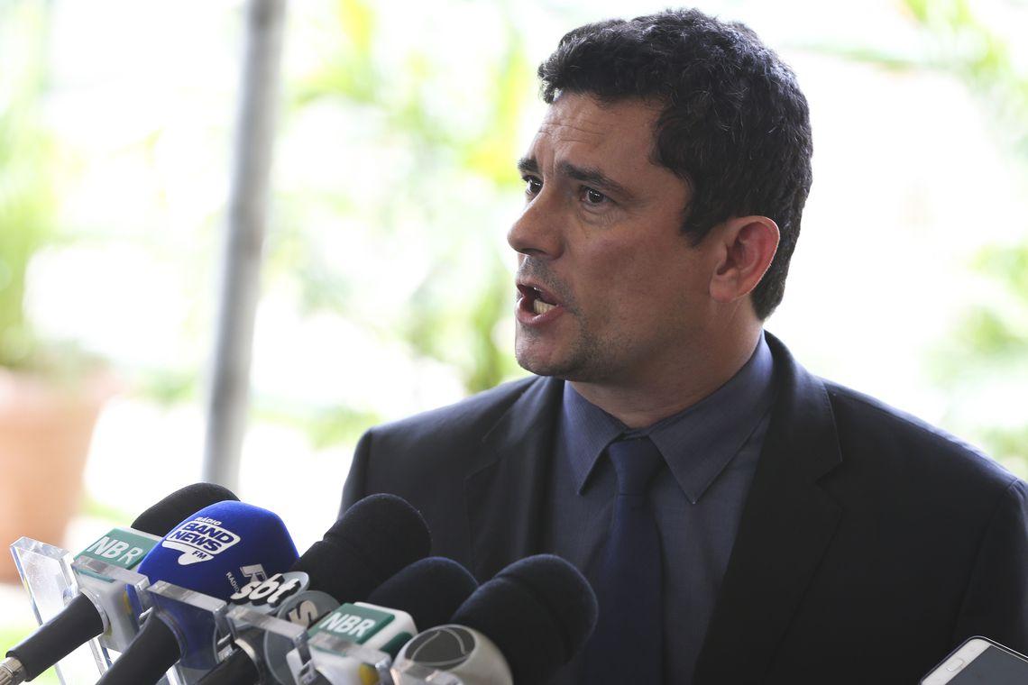Fernando Brito: Moro falta com a verdade quando diz que pune quem ameaça Jean Wyllys