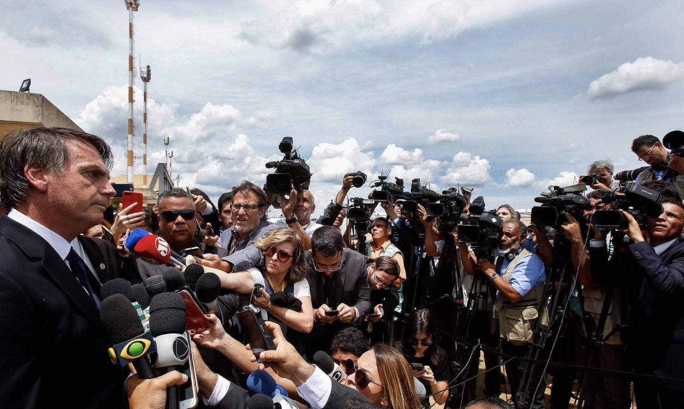 Em entrevistas a TVs, Bolsonaro antecipa defesa sobre segundo empréstimo a Queiroz