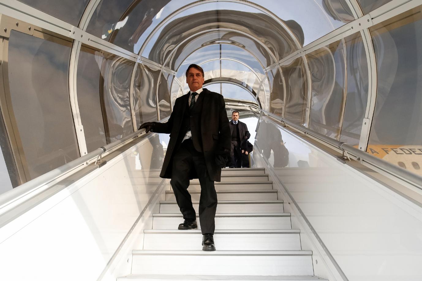 Dilma acusa Bolsonaro de espalhar fake news sobre ela na Itália