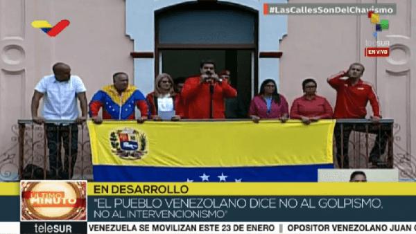"""Diante da tentativa de golpe, Maduro rompe relações com Estados Unidos: """"Aqui tem dignidade"""""""