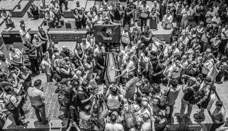 Toffoli autoriza Lula a se despedir do irmão dentro de unidade militar, só com familiares, mas Vavá já foi enterrado