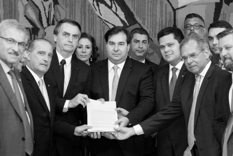 Eduardo Marques: Fake news do governo Bolsonaro e mídia sobre a Previdência escondem os reais interesses